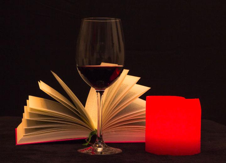 Rennplatzzentrum-Buecherwurm-Buch-und-Wein